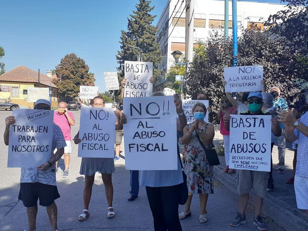 Vecinos reclamaron contra el aumento de impuestos