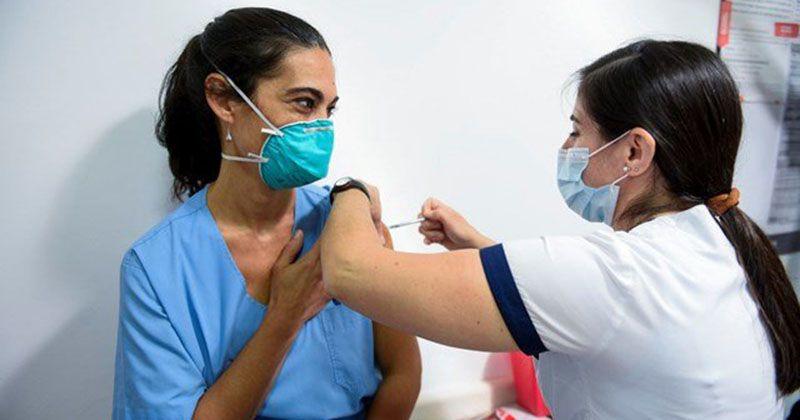 En Roca ya se vacunó con la segunda dosis a más del 96% del personal de salud