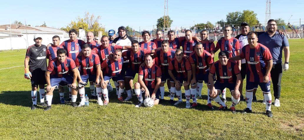 Argentinos del Norte se quedó con el clásico Seniors