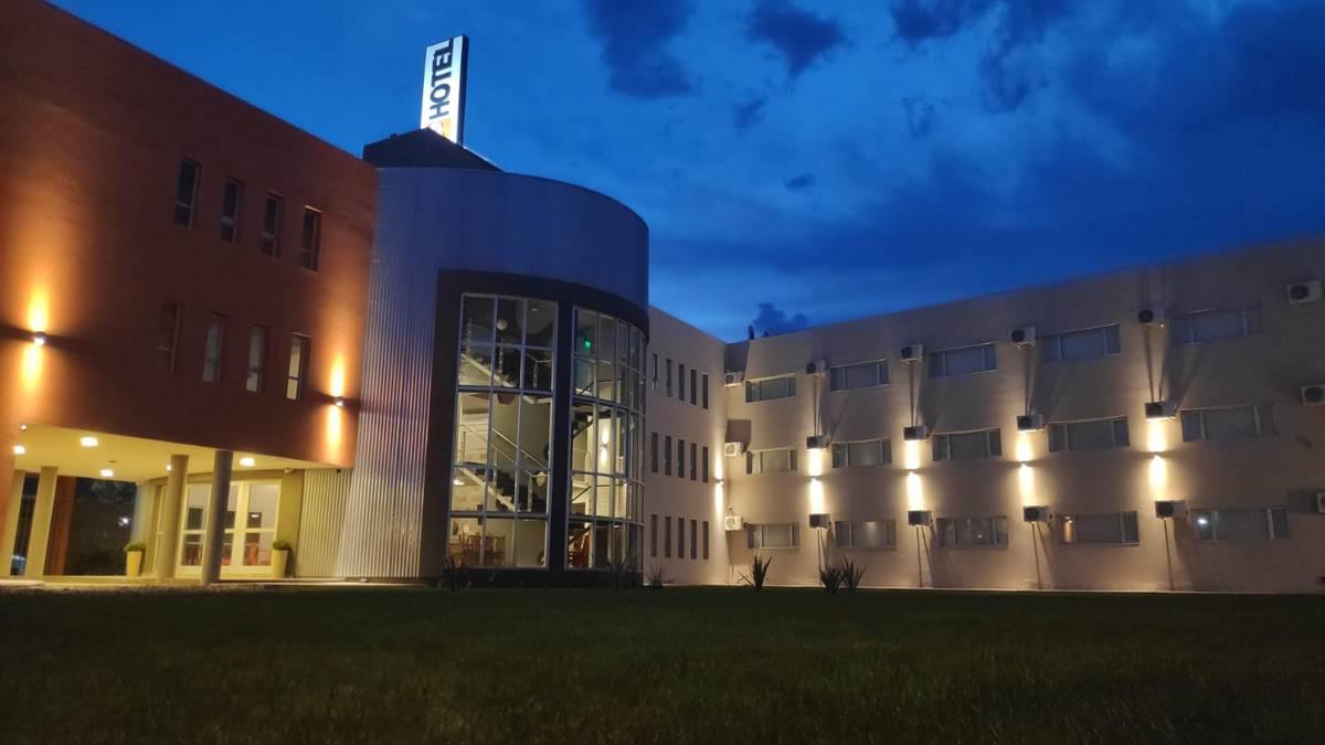 Inversión millonaria y mayor capacidad hotelera en Roca: abrió un nuevo hotel 3 estrellas