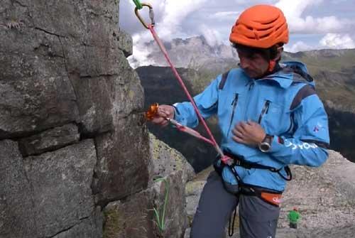 ENSA | How to make a climbing lanyard