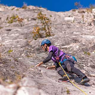 trad climbing with Roc et Glace climbing