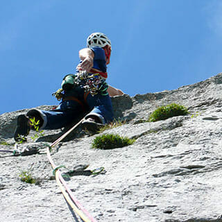 escalade de rocher premier de cordée trad Roc et Glace escalade