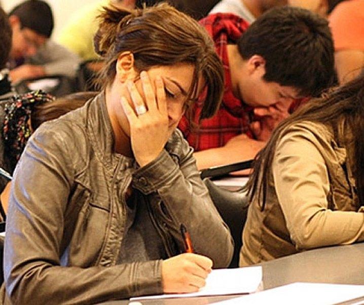 Argumentos a favor de una educación pública universitaria gratuita y algo más