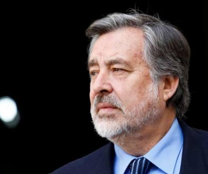 Alejandro Guillier y la crítica a sus ideas sobre políticas referentes al valor de la divisa