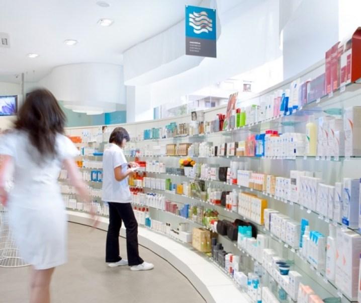 Qué nos está pasando en Chile con el precio de los medicamentos y las posibilidades de su obtención desde el extranjero