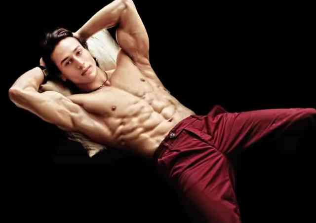 hd_tiger_shroff_wall_M2cJR.jpg