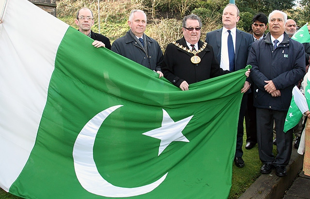 Councillor Colin Lambert, Councillor Ashley Dearnley, Mayor Peter Rush, Simon Danczuk MP and Ghulam Rasul Shahzad OBE ready to raise the flag of Pakistan