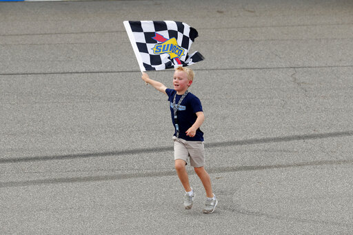 Kevin Harvick wins NASCAR Cup race at Michigan | RochesterFirst