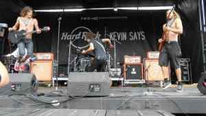 ACIDIC LIVE ON WARPED TOUR PIC 1