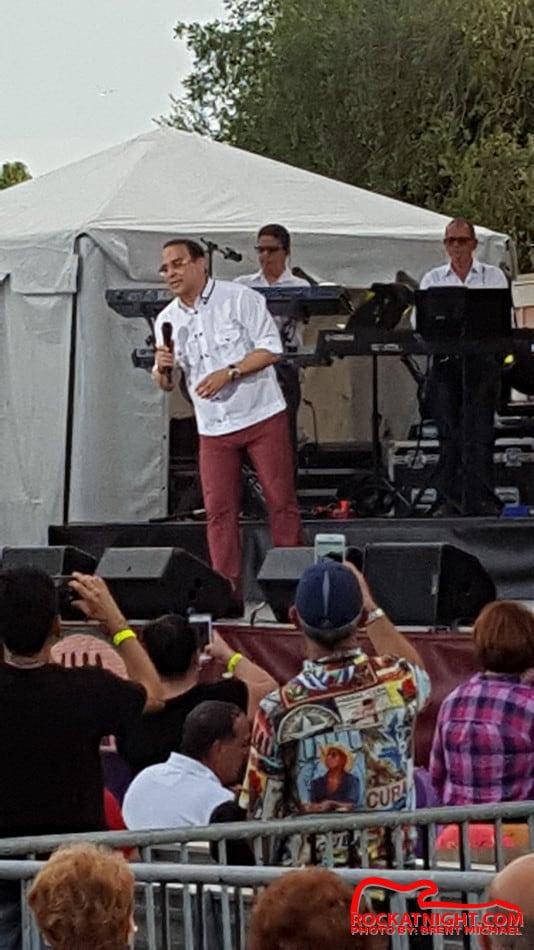 0037 Gilberto Santa Rosa – Busch Gardens – 4-22-2017