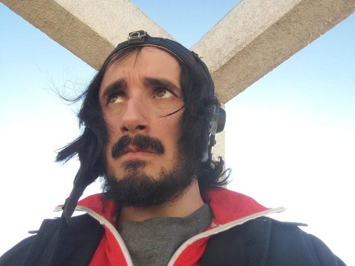 Leo Saavedra estrena Operación Ballena