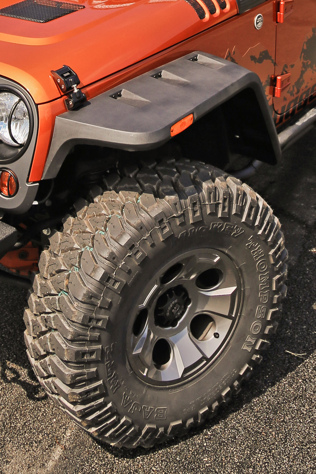 Rugged Ridge Expands Line Of Vintage Inspired Fender Flares To Installing Jeep Proven Way Protect Your Jeeps Paint And Bodywork From Rocks Mud Or Debris While Driving On Off Road Ridges Hurricane Flat