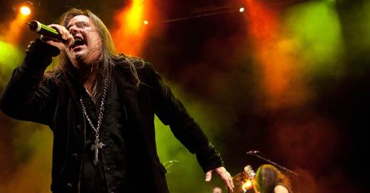 Líder de bandas seminais para o metal nacional, Andre Matos voltou ao Rio em show da turnê solo