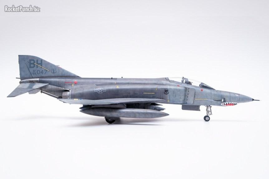 Fujimi 1/72 McDonnell Douglas RF-4C Phantom II