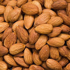 almond oil_almonds