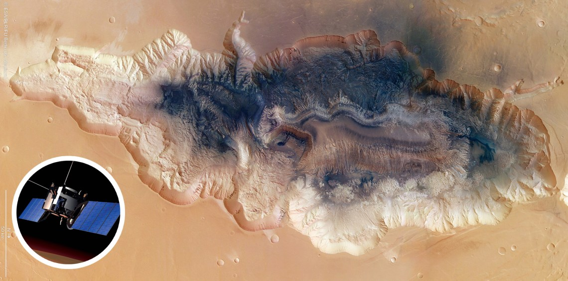Hebes Chasma photographed by Mars Express (ESA/DLR/FU Berlin/G. Neukum), with inset rendering of Mars Express (ESA/Medialab)
