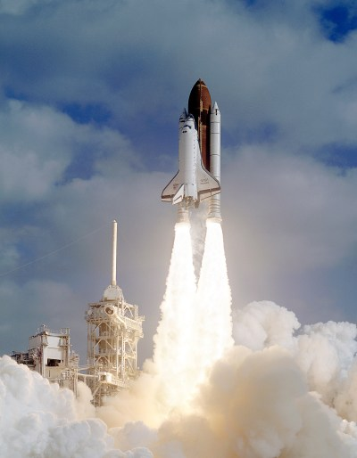 Liftoff of Discovery with the Hubble Space Telescope on board. Credit: NASA