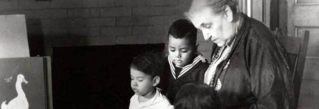 Jane Addams and children