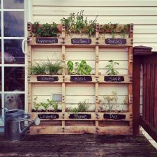 Amazing Creative Wood Pallet Garden Project 15