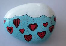 Creative diy painting rock for valentine decoration ideas 17