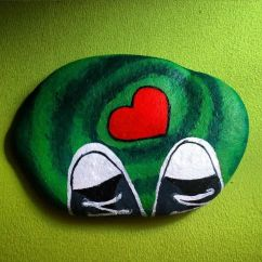 Creative diy painting rock for valentine decoration ideas 2