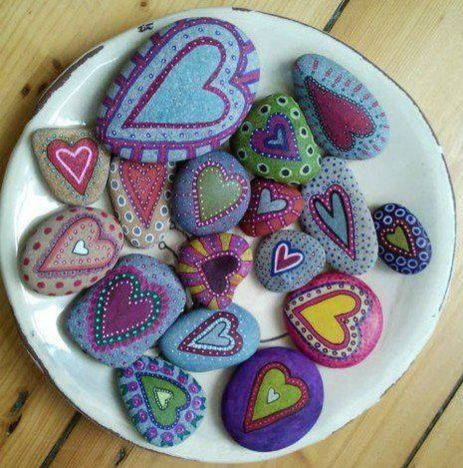 Creative diy painting rock for valentine decoration ideas 35