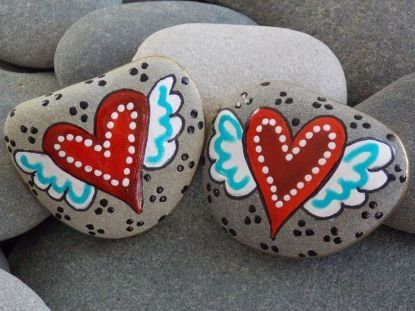 Creative diy painting rock for valentine decoration ideas 46