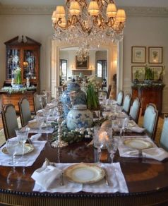 Glorious and Luxury Western Dining Room Design 7