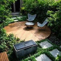 Small courtyard garden with seating area design and layout 59
