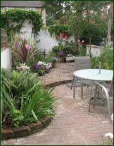 Small courtyard garden with seating area design and layout 63