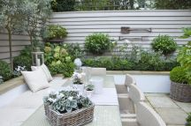 Small courtyard garden with seating area design and layout 77
