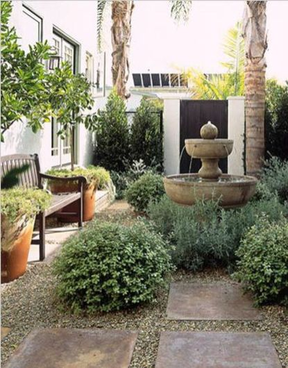 Small courtyard garden with seating area design and layout 79