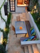 Small courtyard garden with seating area design and layout 82
