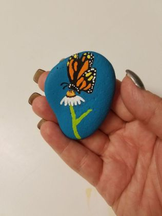 Creative DIY Easter Painted Rock Ideas 29