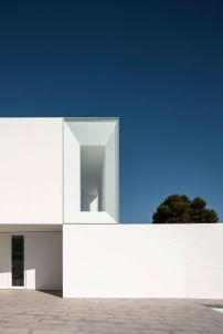 Fascinating Modern Minimalist Architecture Design 36
