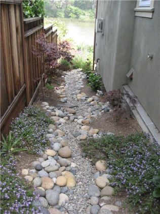 Inspiring Dry Riverbed and Creek Bed Landscaping Ideas 19