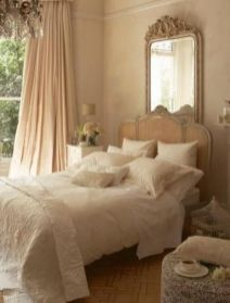 Lovely Romantic Bedroom Decorations for Couples 12