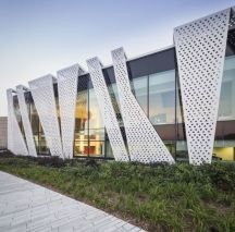 Stunning Glass Facade Building and Architecture Concept 17