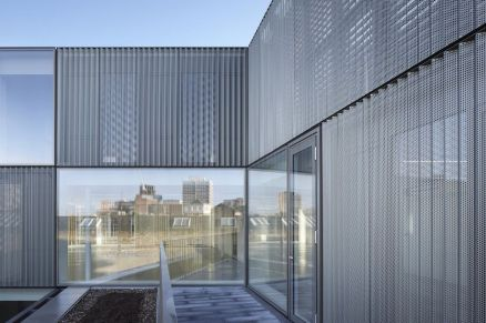 Stunning Glass Facade Building and Architecture Concept 40
