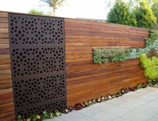 Stunning Privacy Fence Line Landscaping Ideas 13