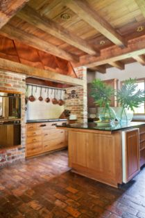 Amazing Brick Floor Kitchen Design Inspirations 21