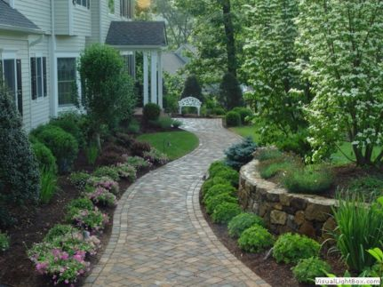 Front Yard and Garden Walkway Landscaping Inspirations 30