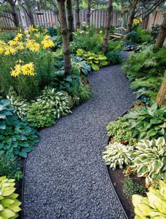 Front Yard and Garden Walkway Landscaping Inspirations 8