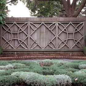 Stunning Creative Fence Ideas for Your Home Yard 20