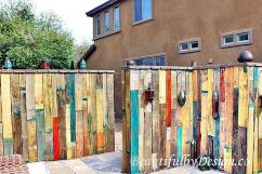 Stunning Creative Fence Ideas for Your Home Yard 4