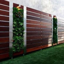 Stunning Creative Fence Ideas for Your Home Yard 47