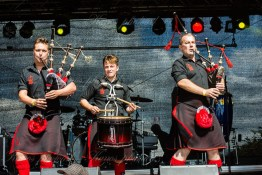 red-hot-chili-pipers-woa-14-2402(1)