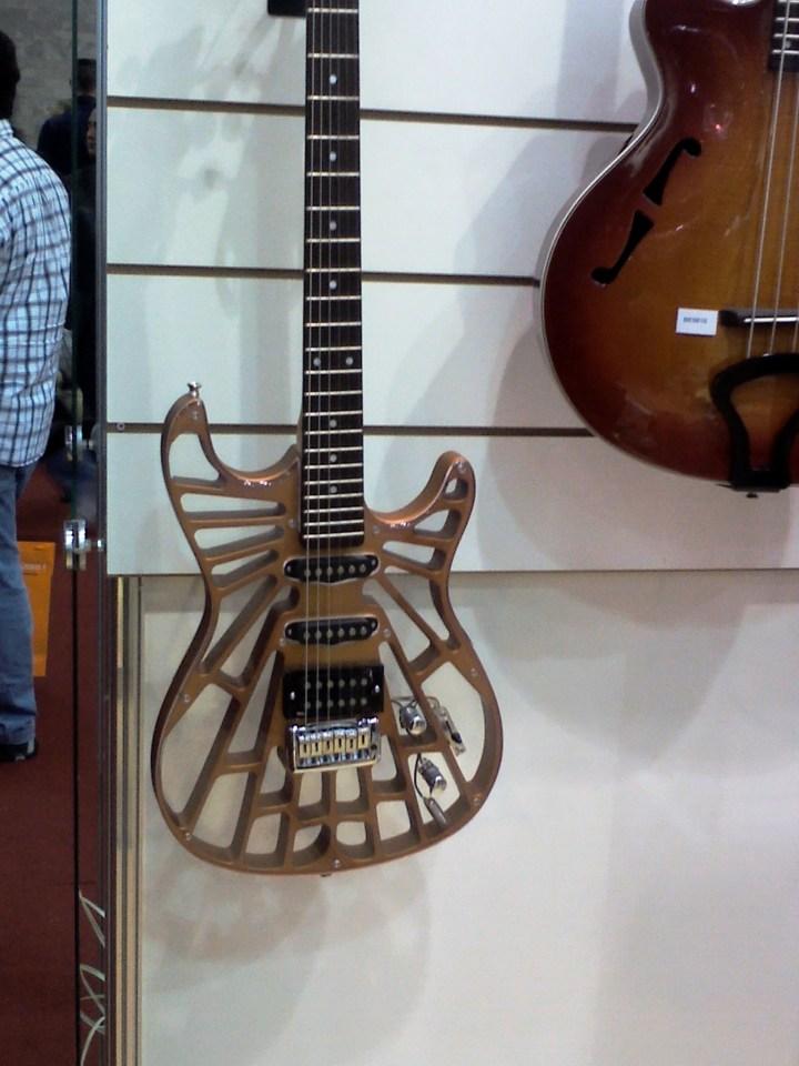Queria realmente tocar uma dessas! Vejam que incrível!