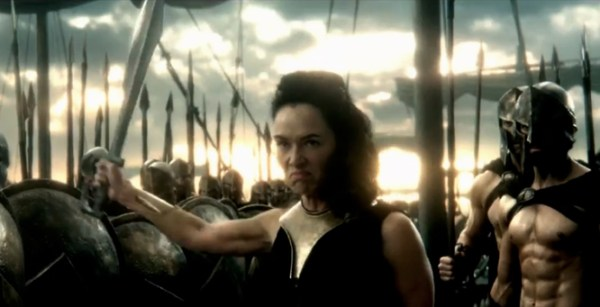 A rainha viúva. Seu nome? GORGO! Rainha Gorgo!